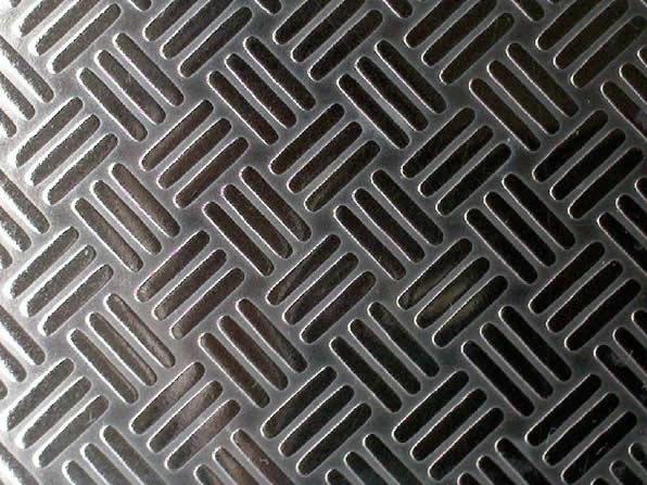 防滑板材质:普通铁板,不锈钢板,铝板,铝合金板等.
